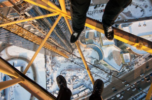 Russian Daredevils Hanging On For Life With One Hand